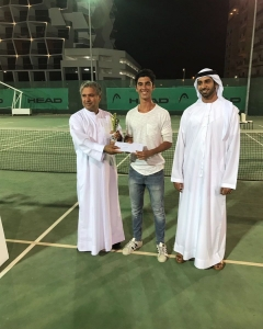 Alvaro Bueno the doubles runner up prizes tournament