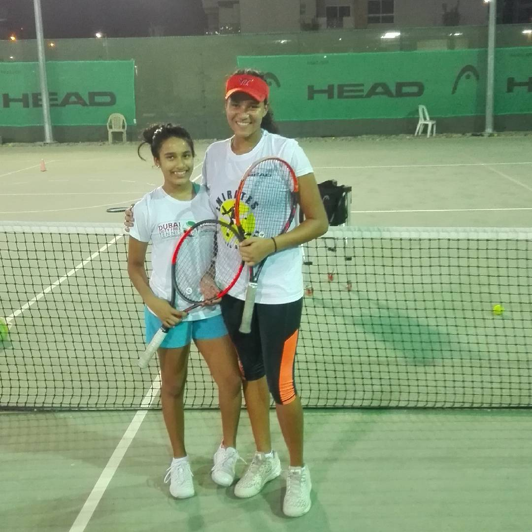 Girls love tennis and Nancy # 11 and 18 years old passion training at Eta